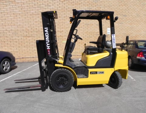 LPG Forklifts Hire in Melbourne 1.8-3 ton